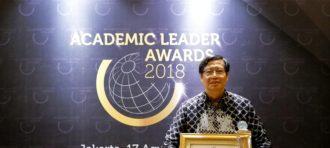 BINUS UNIVERSITY Rector Receives Award